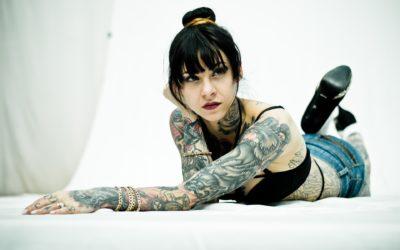 Tattoo Ladies: sempre più donne si destreggiano tra aghi ed inchiostro